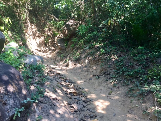 Exactly how to get to cool upriver waterfall in Yelapa 3