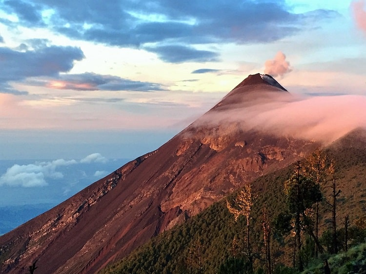 Challenging hike to see the Fuego volcano erupt