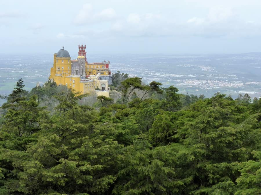 5+ ways to save time at Sintra palaces, despite long lines 4