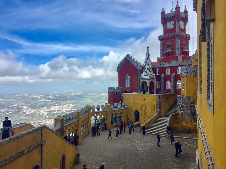 5+ ways to save time at Sintra palaces, despite long lines 1