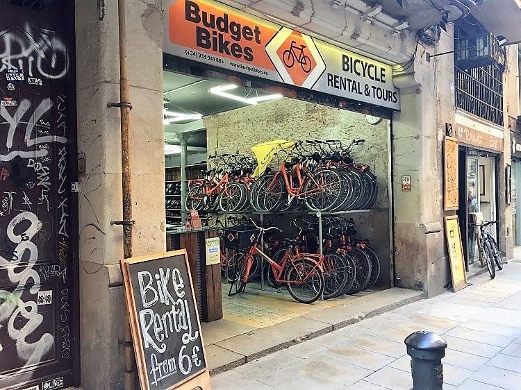a bike shop in barcelona that rents electric bikes