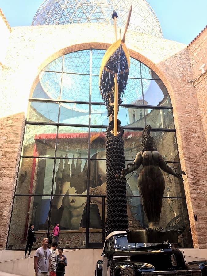 Dali Theatre-Museum & Girona on a day trip 1