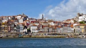 The budget traveler's activity guide to Porto, Portugal