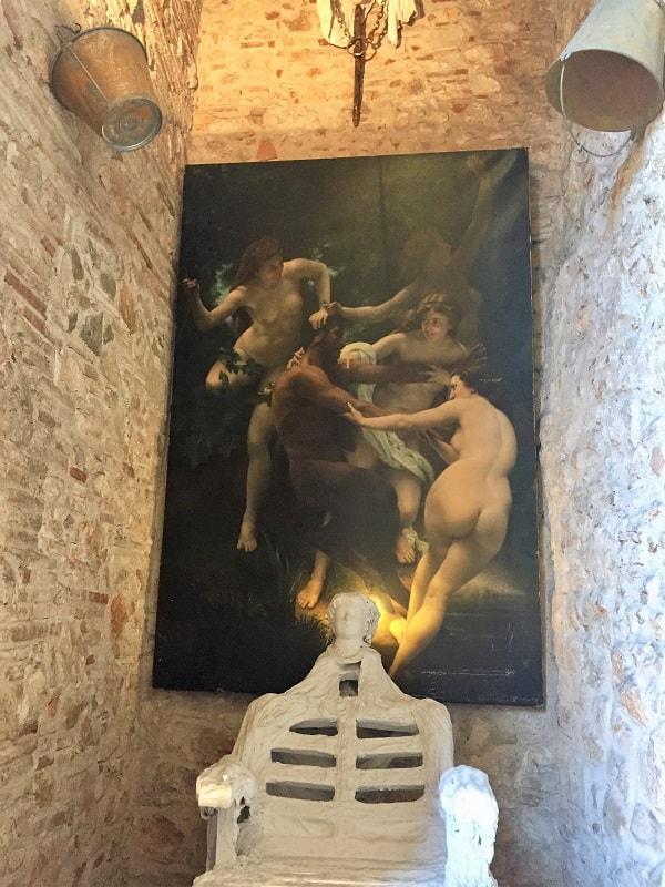 Dali Theatre-Museum & Girona on a day trip 13