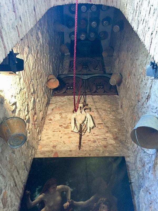 Dali Theatre-Museum & Girona on a day trip 14
