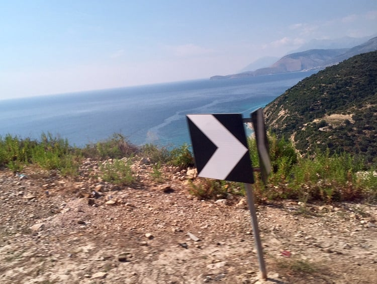 Fun furgon travel in Albania from Tirana to Saranda 5