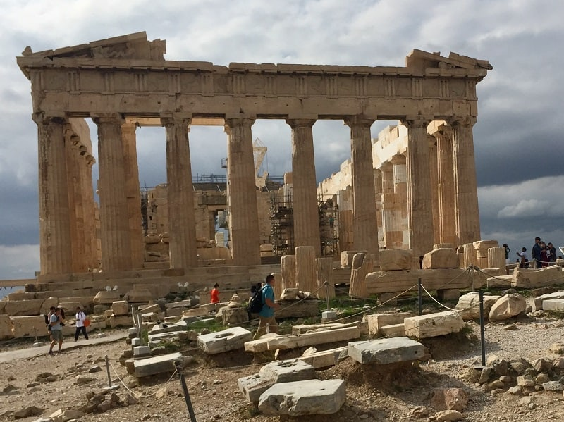 Easy budget travel tips for Athens, Greece 3