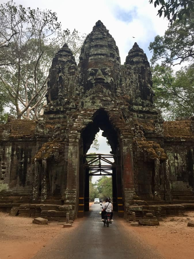 Angkor Wat budget travel tips that support locals 14