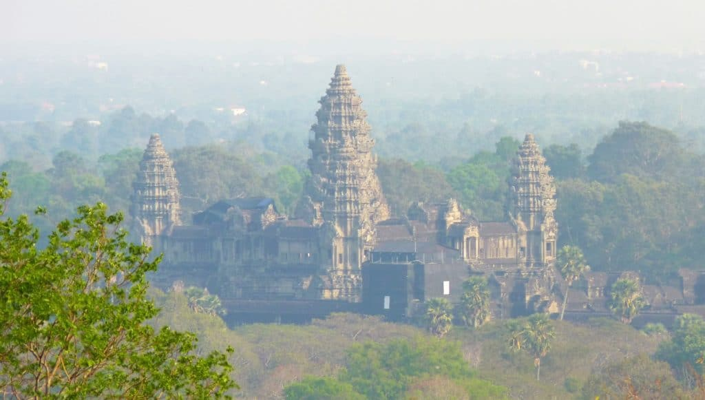 Angkor Wat budget travel tips that support locals 1