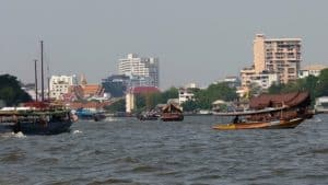 'Bangkok boats': how they work, what they cost