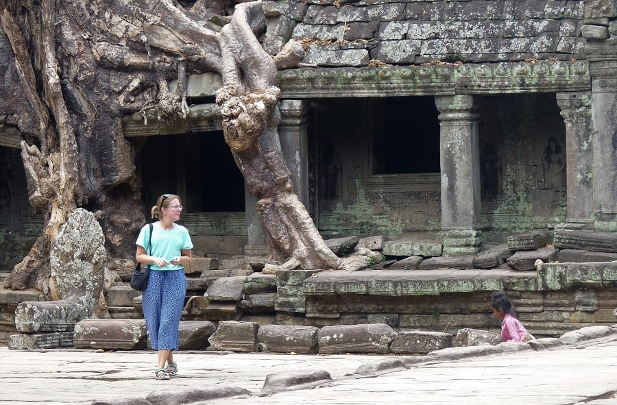 Angkor Wat budget travel tips that support locals 4