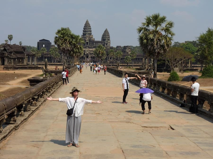 Angkor Wat budget travel tips that support locals 7