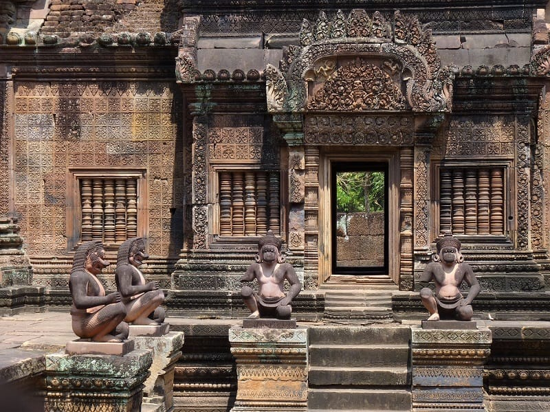 Angkor Wat budget travel tips that support locals 8