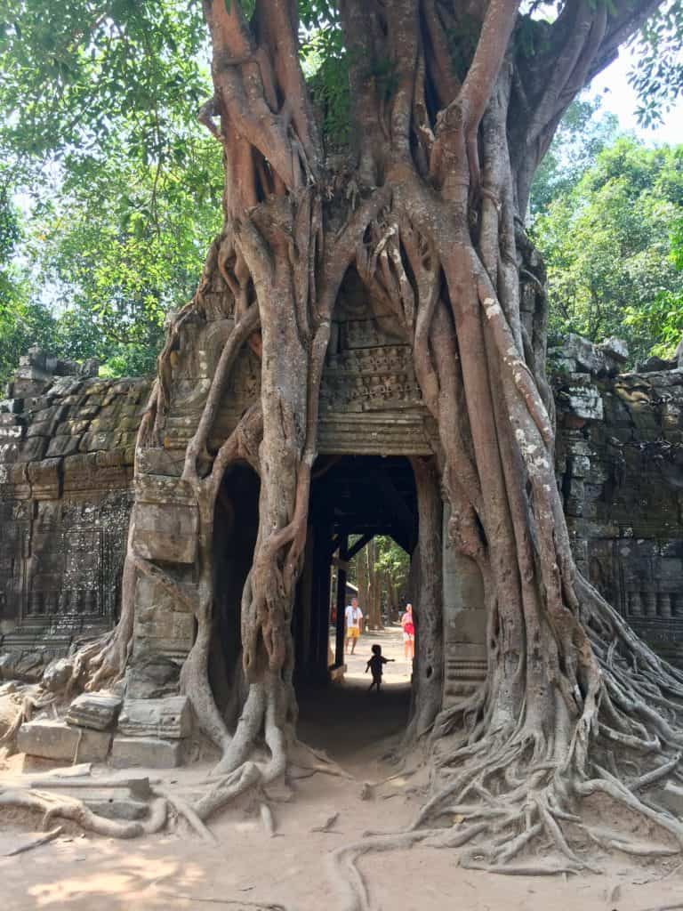 Angkor Wat budget travel tips that support locals 12