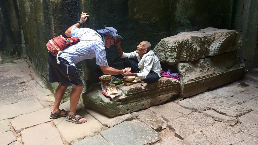 Angkor Wat budget travel tips that support locals 10