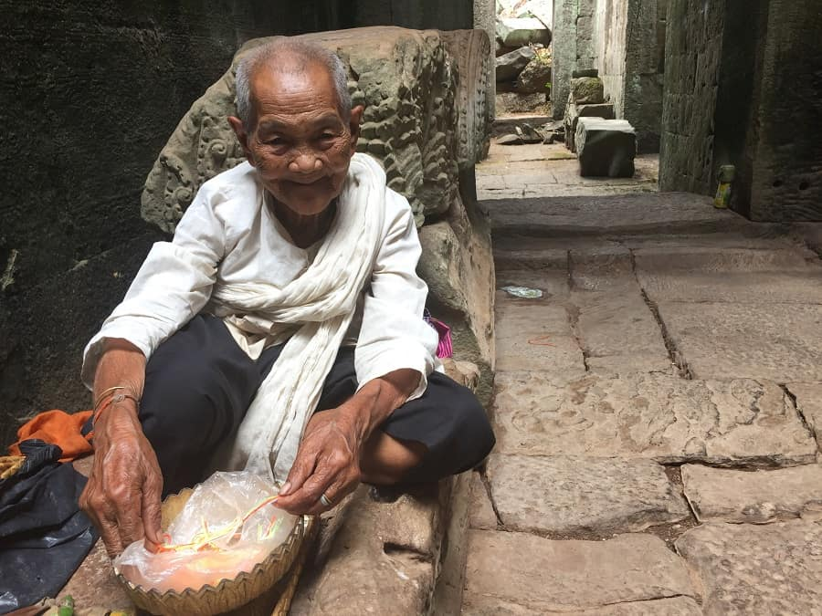 Angkor Wat budget travel tips that support locals 11