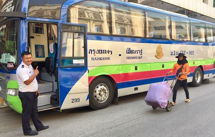 an air-conditioned bus that goes from thailand to cambodia