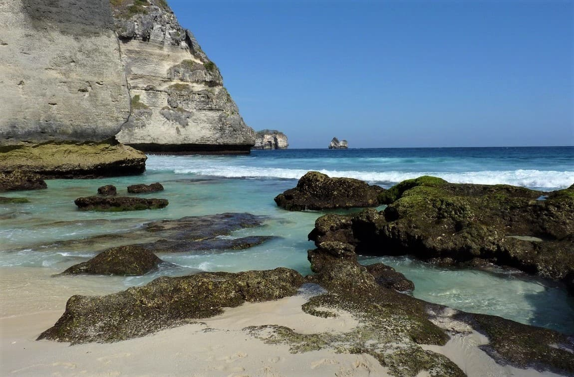 nusa penida, indonesia, east end, rocks and beach and cliffs