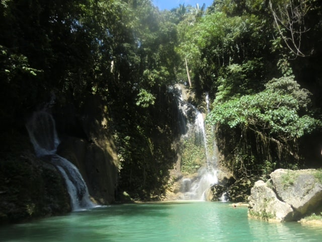 adventurous waterfall jumps in the Philippines