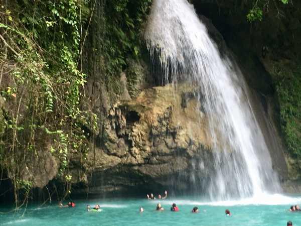 Moalboal and Simala trip: the largest waterfall at Kawasan falls