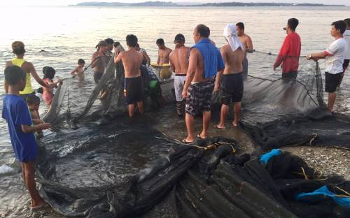 fishermen with empty nets - Pandemic throws tourism workers into lurch