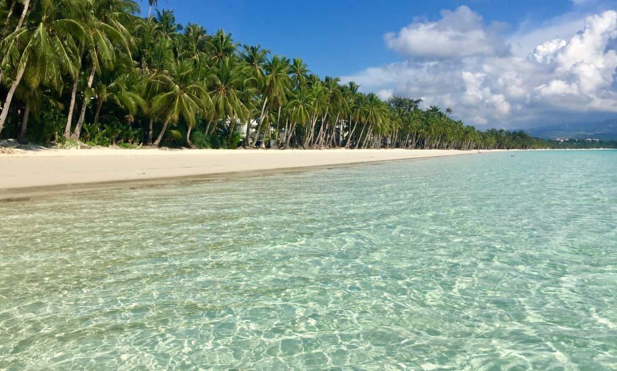 White Beach is empty as a COVID death on Boracay akes news.