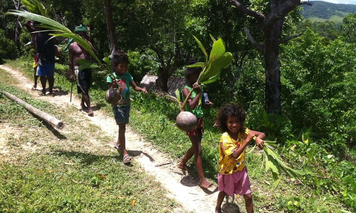 Big tree brigade to Kurong Village